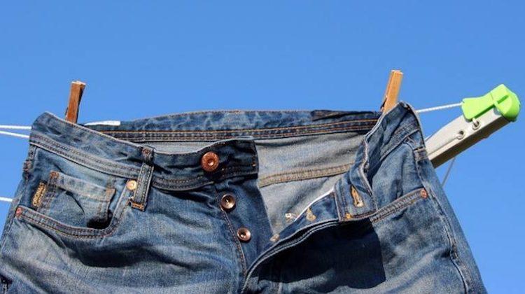 ¿Sabias que tu ropa puede contaminar el agua del ríos y mares?