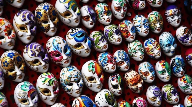 Fiestas y maquillajes agresivos con el medio ambiente